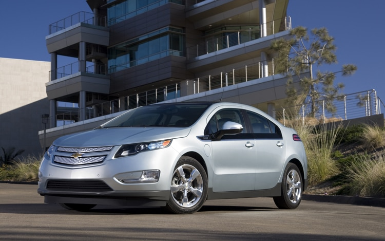 2011 Chevrolet Volt Front View In Silver1