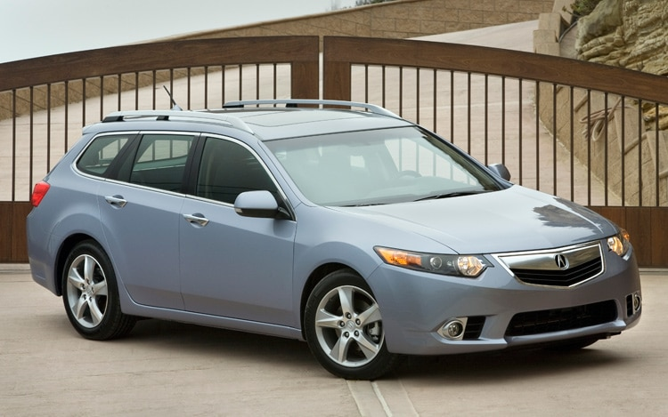 2011 Acura TSX Sport Wagon Front Three Quarters View1