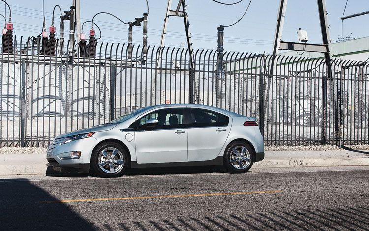 2011 Chevrolet Volt Side 11