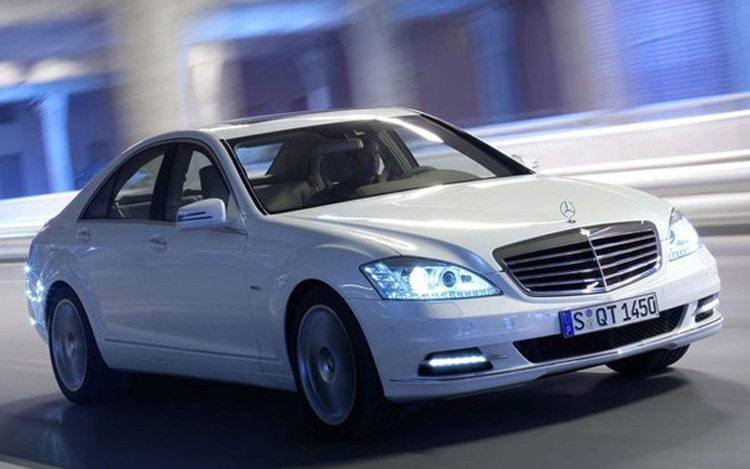 2011 Mercedes Benz S550 Front Driving1
