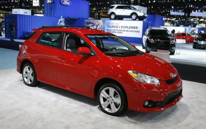 2011 Toyota Matrix Front Three Quarters 2
