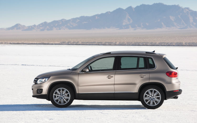 volkswagen refreshes 2012 tiguan with better fuel economy. Black Bedroom Furniture Sets. Home Design Ideas