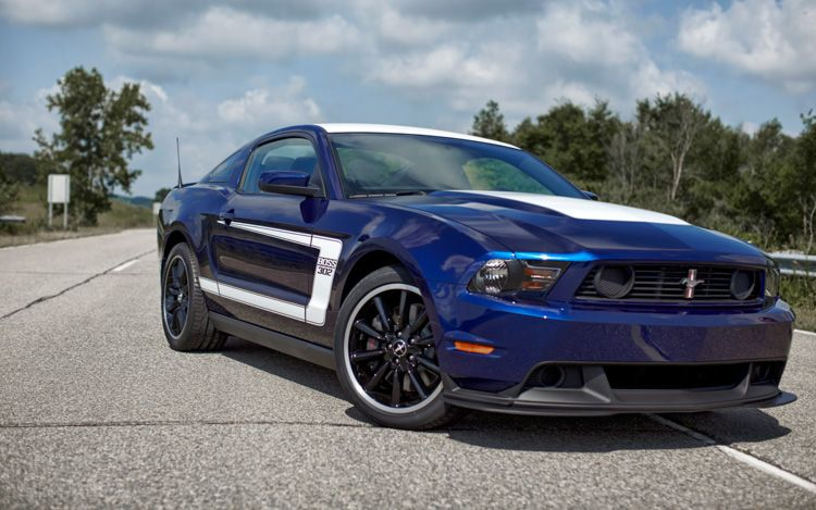 2012 Ford Mustang Boss 302 Front Three Quarters Static Passenger