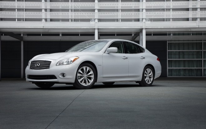 2012 Infiniti M35h Hybrid Front Three Quarters View 660x413