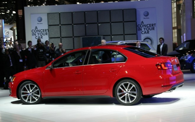 2012 Volkswagen Jetta Gli Side1 660x413