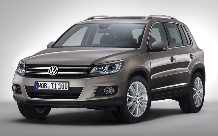 2012 Volkswagen Tiguan Front Three Quarters View 3