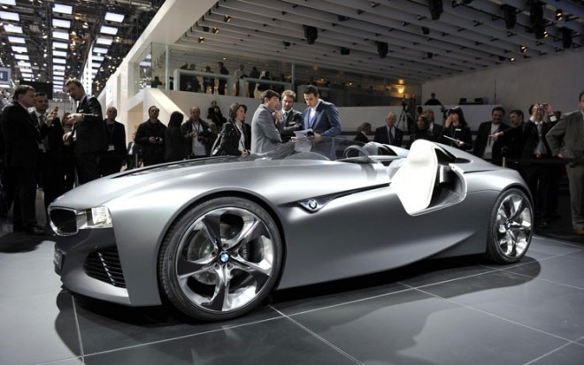 BMW Vision Connecteddrive Front Three Quarters 660x413