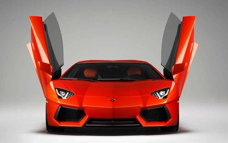 Lamborghini Aventador Front View With Doors Opened1