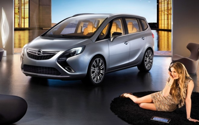 Opel Zafira Tourer Concept Front Three Quarter View 21 660x413