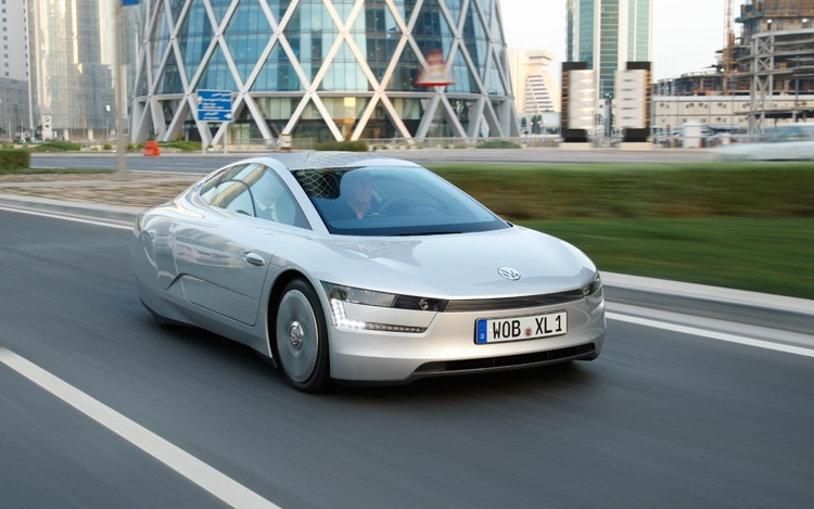 Volkswagen XL1 Concept Front Three Quarters 3