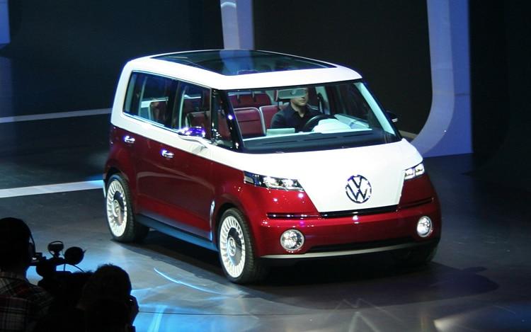 Volkswagen Bulli Concept Front Three Quarters2