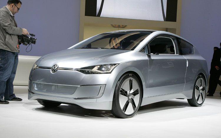 Volkswagen Up Lite Front Three Quarter1