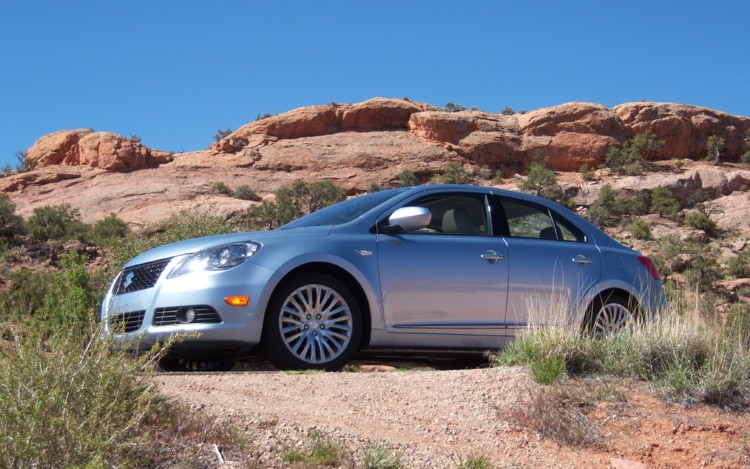 2010 Suzuki Kizashi Front Three Quarters Static