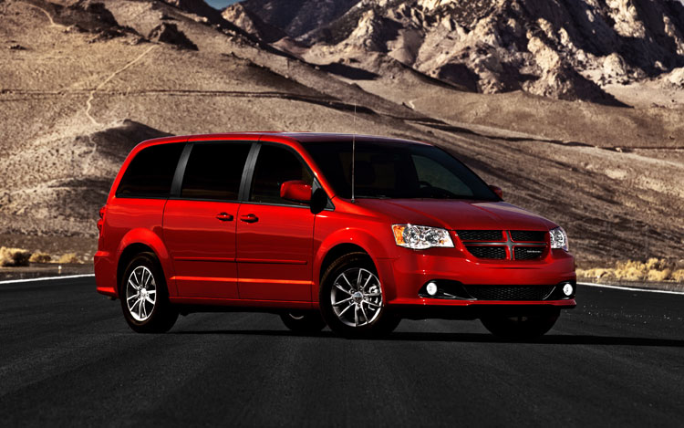 2011 Dodge Grand Caravan Front Three Quarters 21