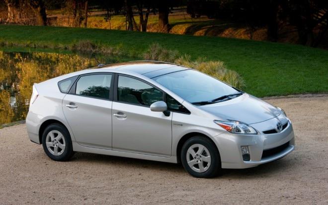 2011 Toyota Prius Front Three Quarters1 660x413