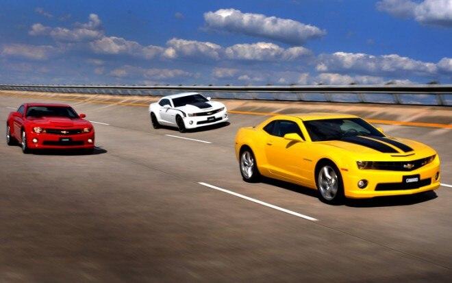 2011 Chevrolet Camaros On Track1 660x413