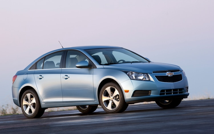 2011 Chevrolet Cruze Front Three Quarter1
