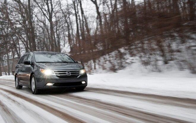 2011 Honda Odyssey Front Three Quarters Passenger 660x413