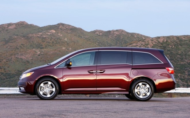 2011 Honda Odyssey Profile1 660x413