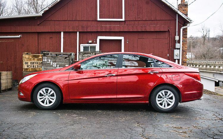 2011 Hyundai Sonata Side 11