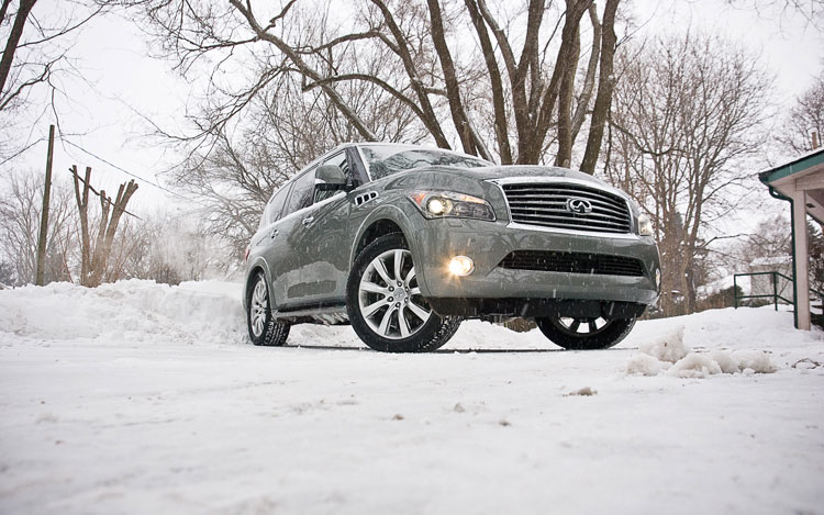 2011 Infiniti QX56 Front End2