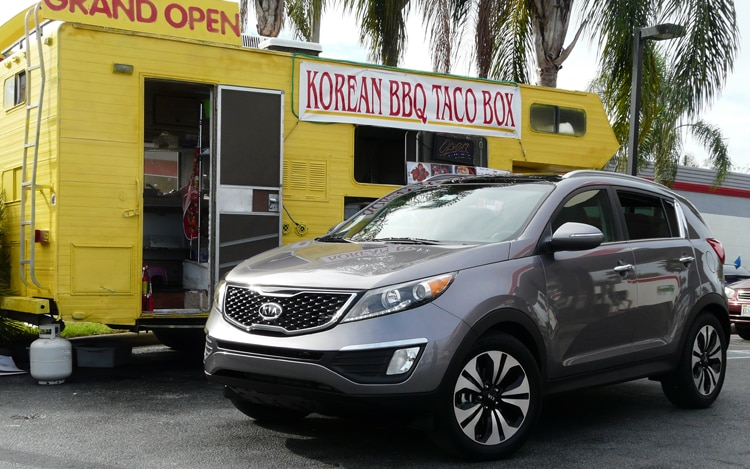 2011 Kia Sportage Sx Front Three Quarter Gray3