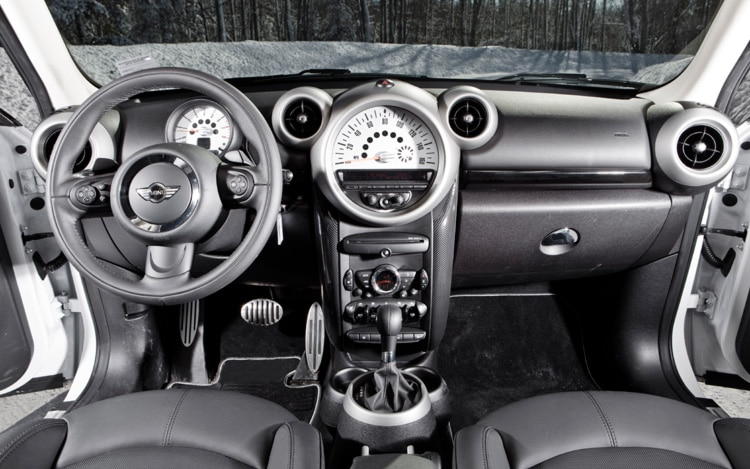 2011 nissan juke vs 2011 mini countryman automobile magazine - Countryman interior ...