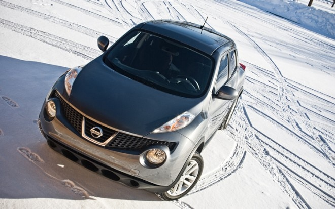 2011 Nissan Juke Sv Awd Front Three Quarter4 660x413