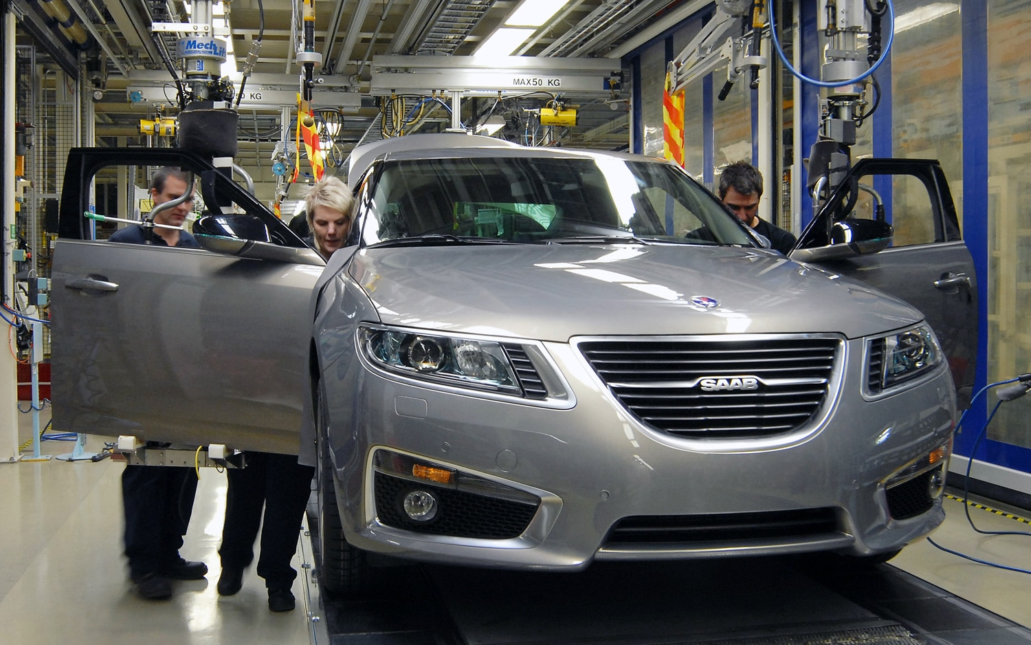 2011 Saab 9 5 Assembly Front View1