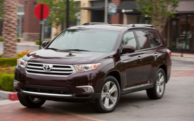 2011 Toyota Highlander Front Three Quarter5 660x413