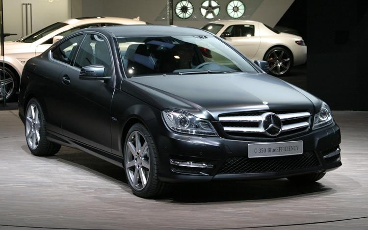 2012 Mercedes C350 Front Quarter1