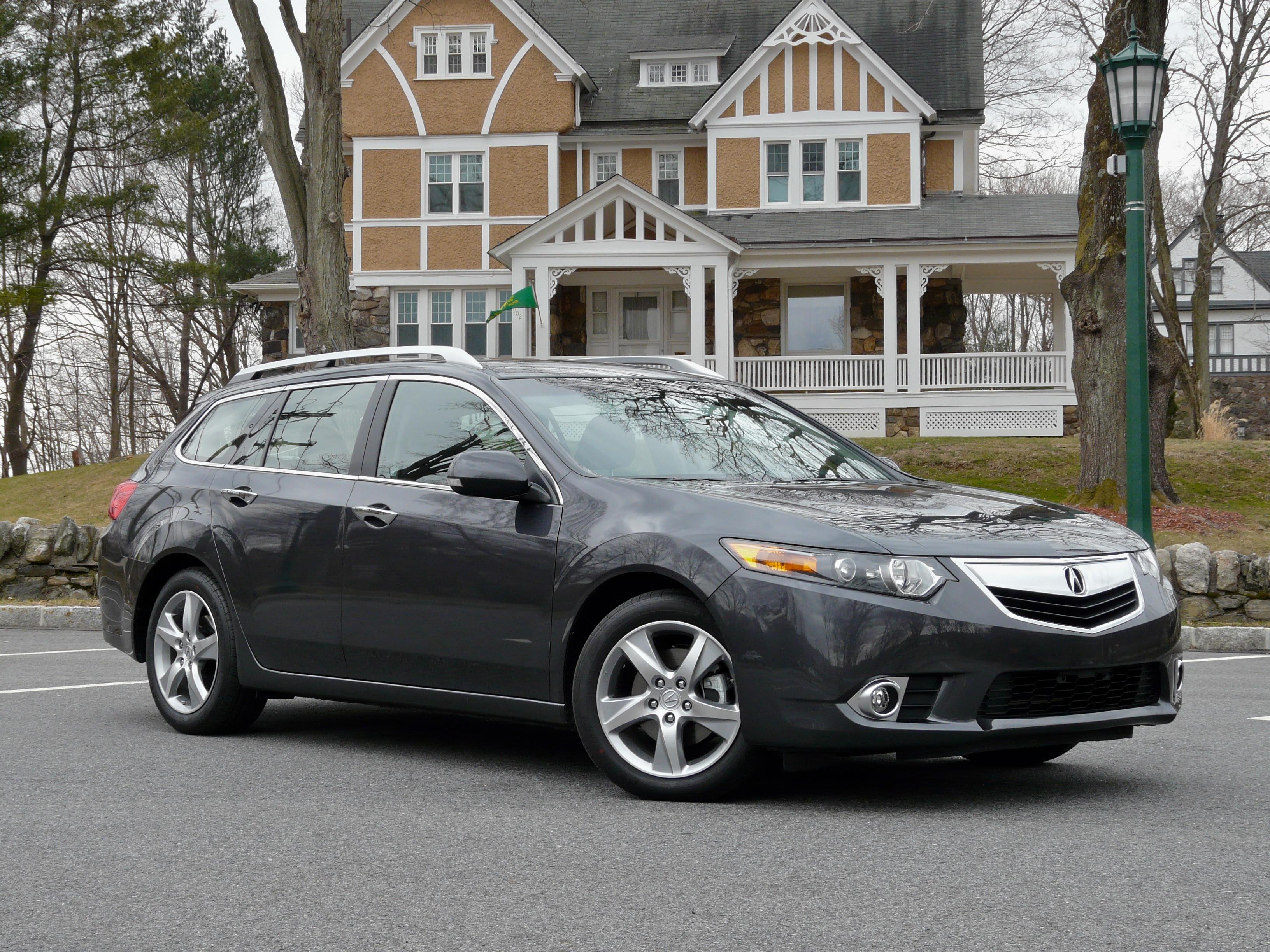 Acura TSX Wagon Front1