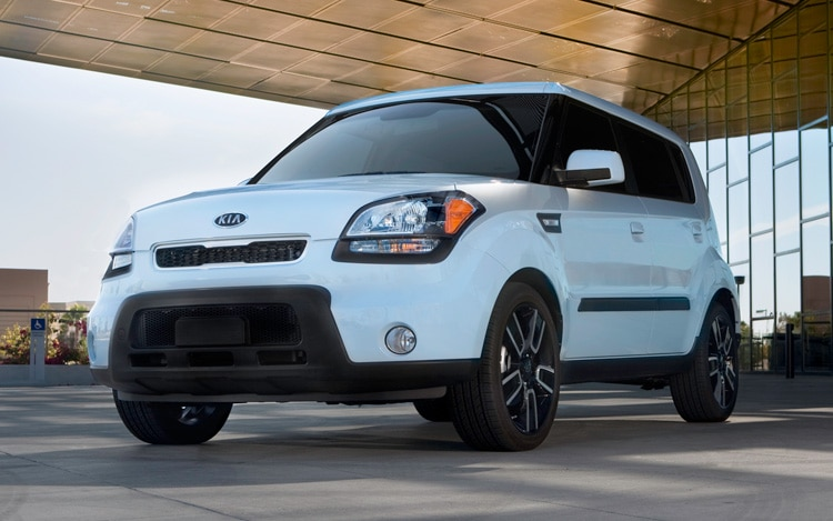 kia looks to avoid mid life blues for soul hatch. Black Bedroom Furniture Sets. Home Design Ideas