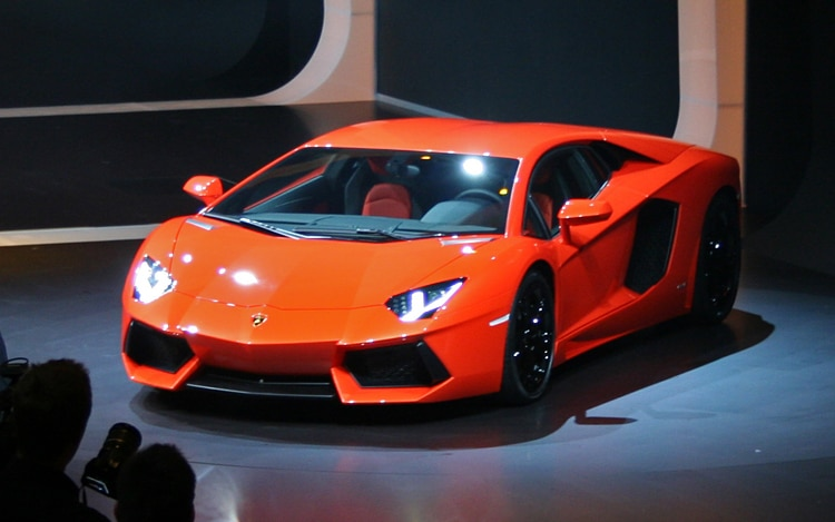 Lamborghini LP 700 4 Aventador Front Three Quarters2