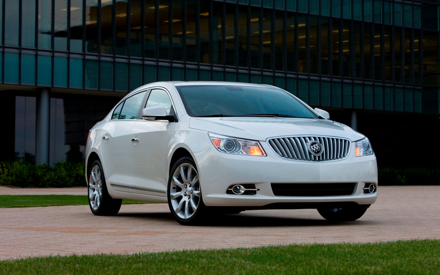 2011 Buick LaCrosse Front1