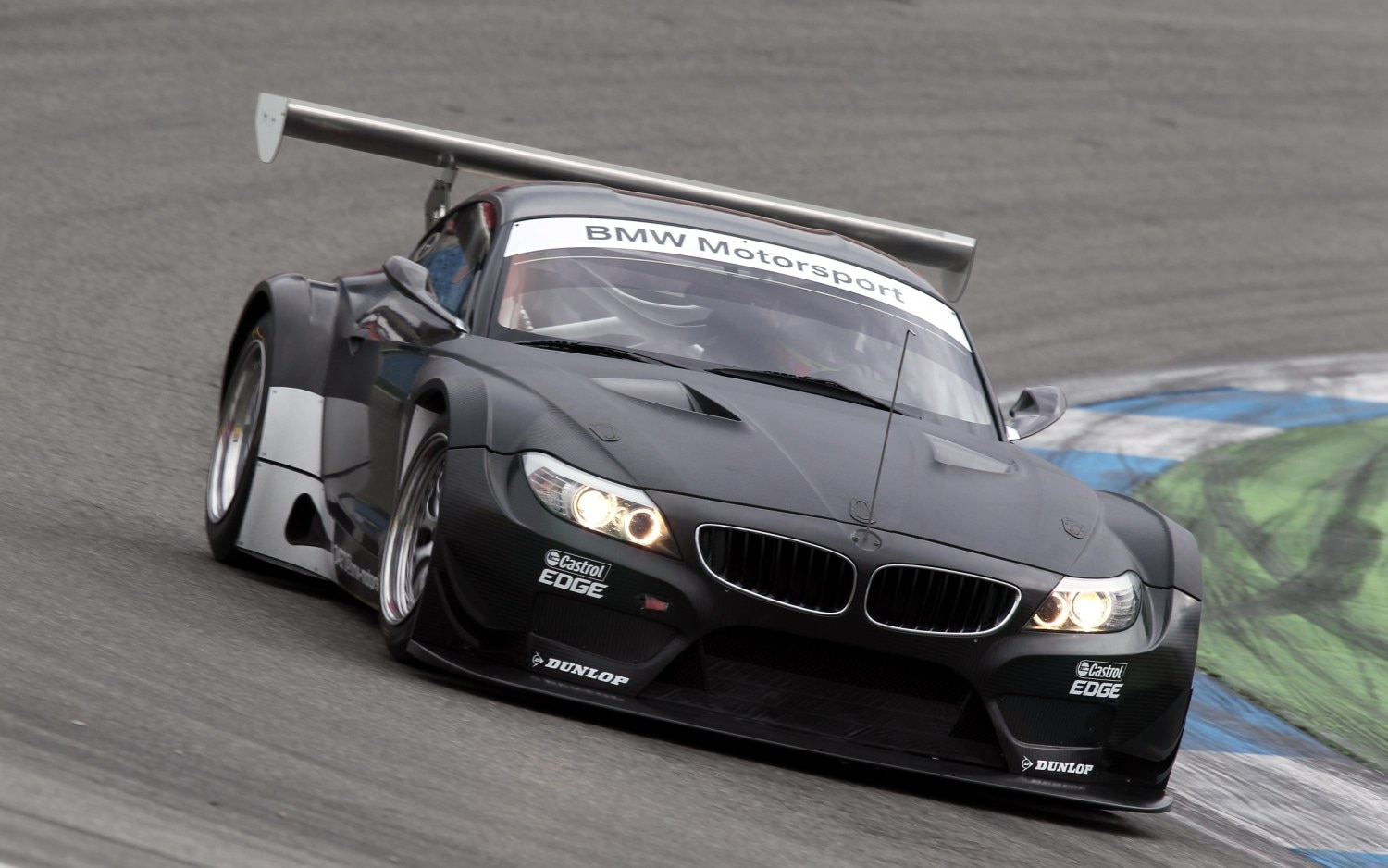 feature flick how to build a bmw z4 gt3 racer. Black Bedroom Furniture Sets. Home Design Ideas