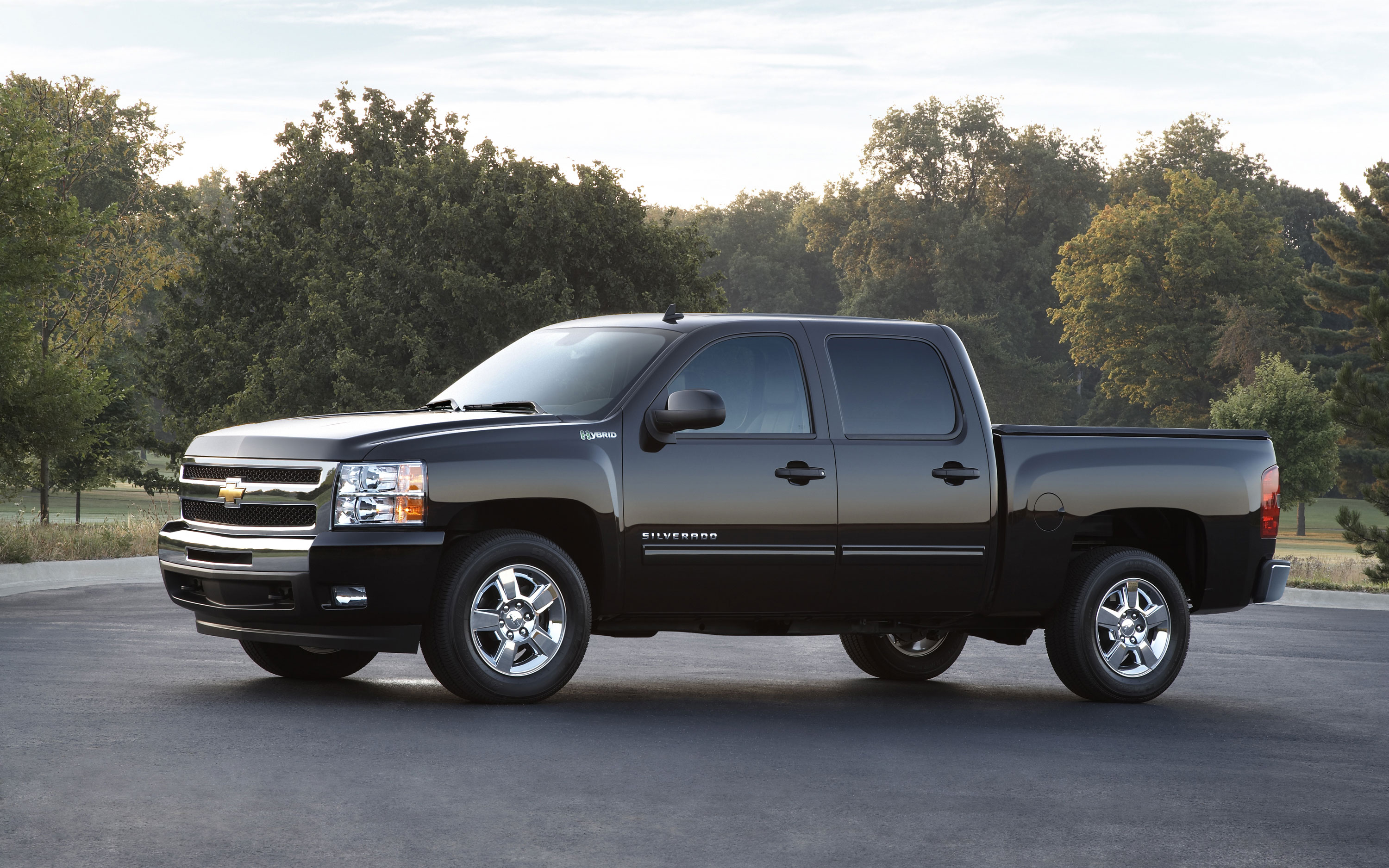 2011 Chevy Silverado Side Shot1