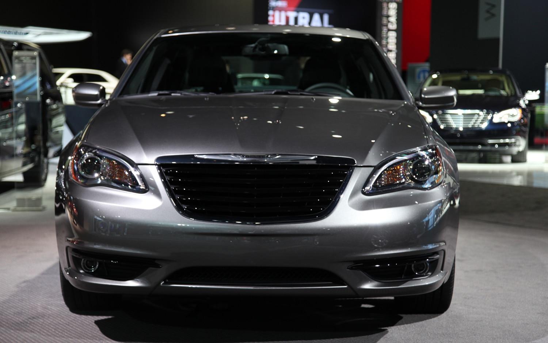 2011 chrysler 200 s 2011 new york auto show automobile. Black Bedroom Furniture Sets. Home Design Ideas