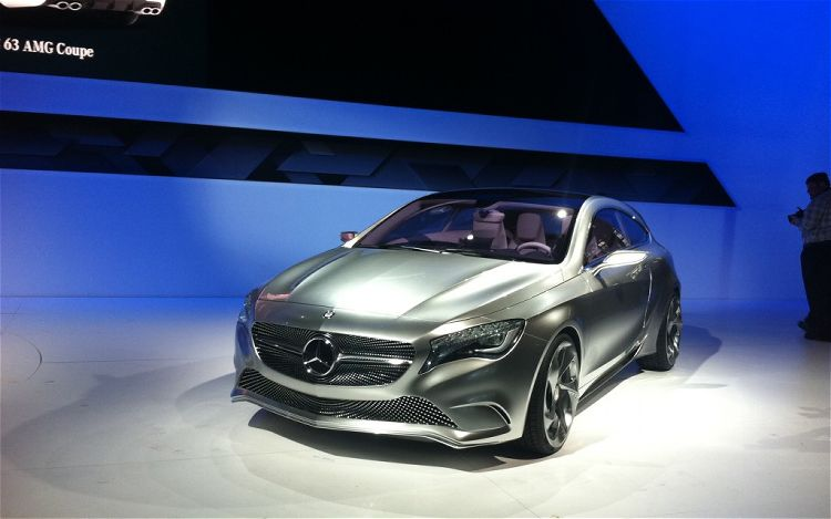 2011 Mercedes Benz Concept A Class Front Three Quarter31