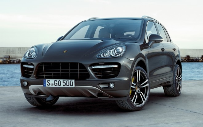 2011 Porsche Cayenne Turbo Front Three Quarter1 660x413