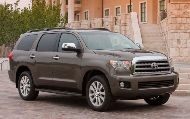 2011 Toyota Sequoia Front Three Quarter5 660x413