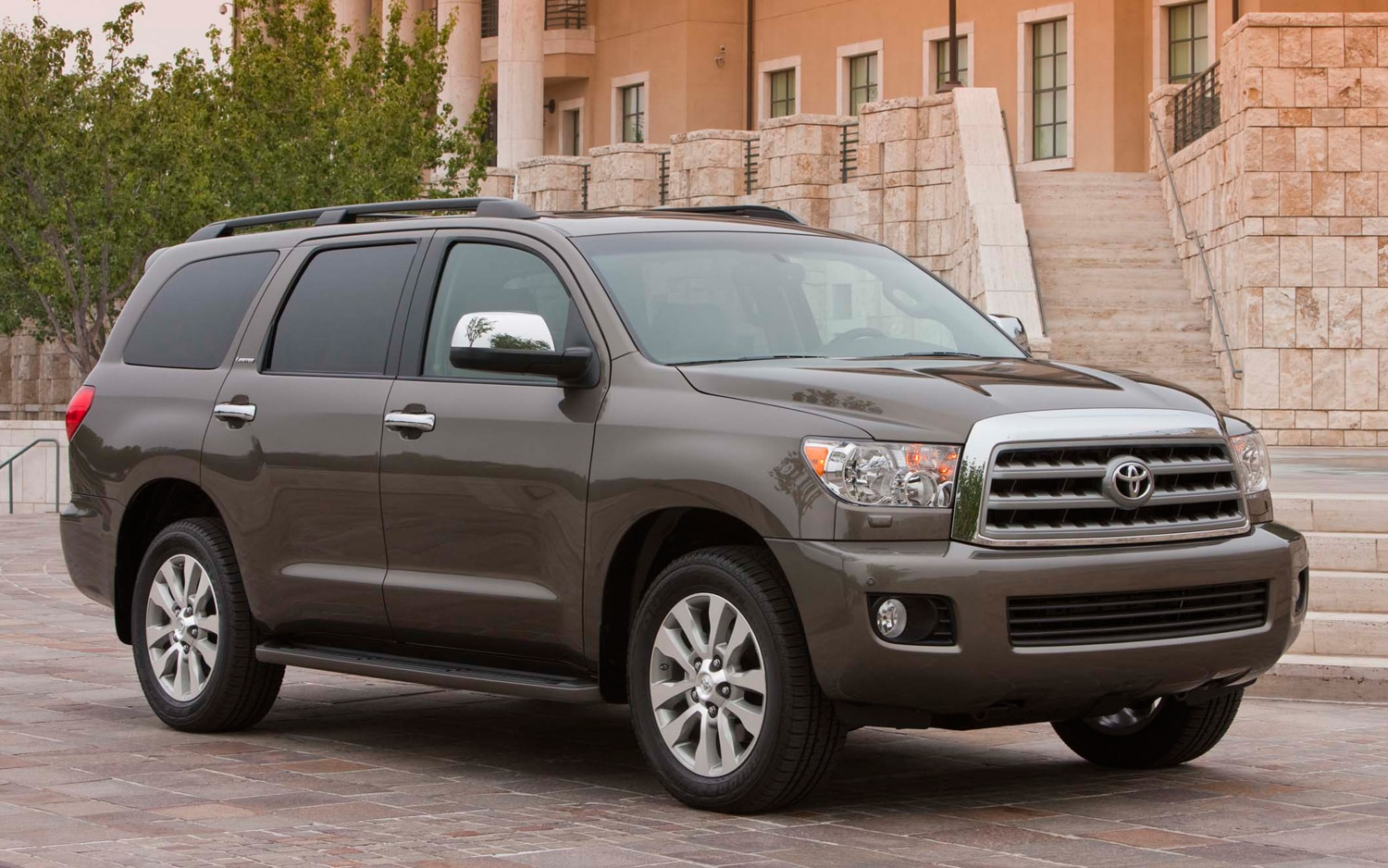 2011 Toyota Sequoia Front Three Quarter5