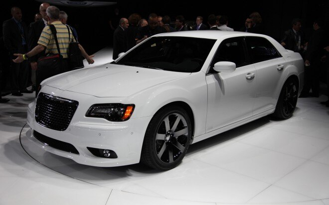 2012 Chrysler 300 SRT8 Front Three Quarters1 660x413