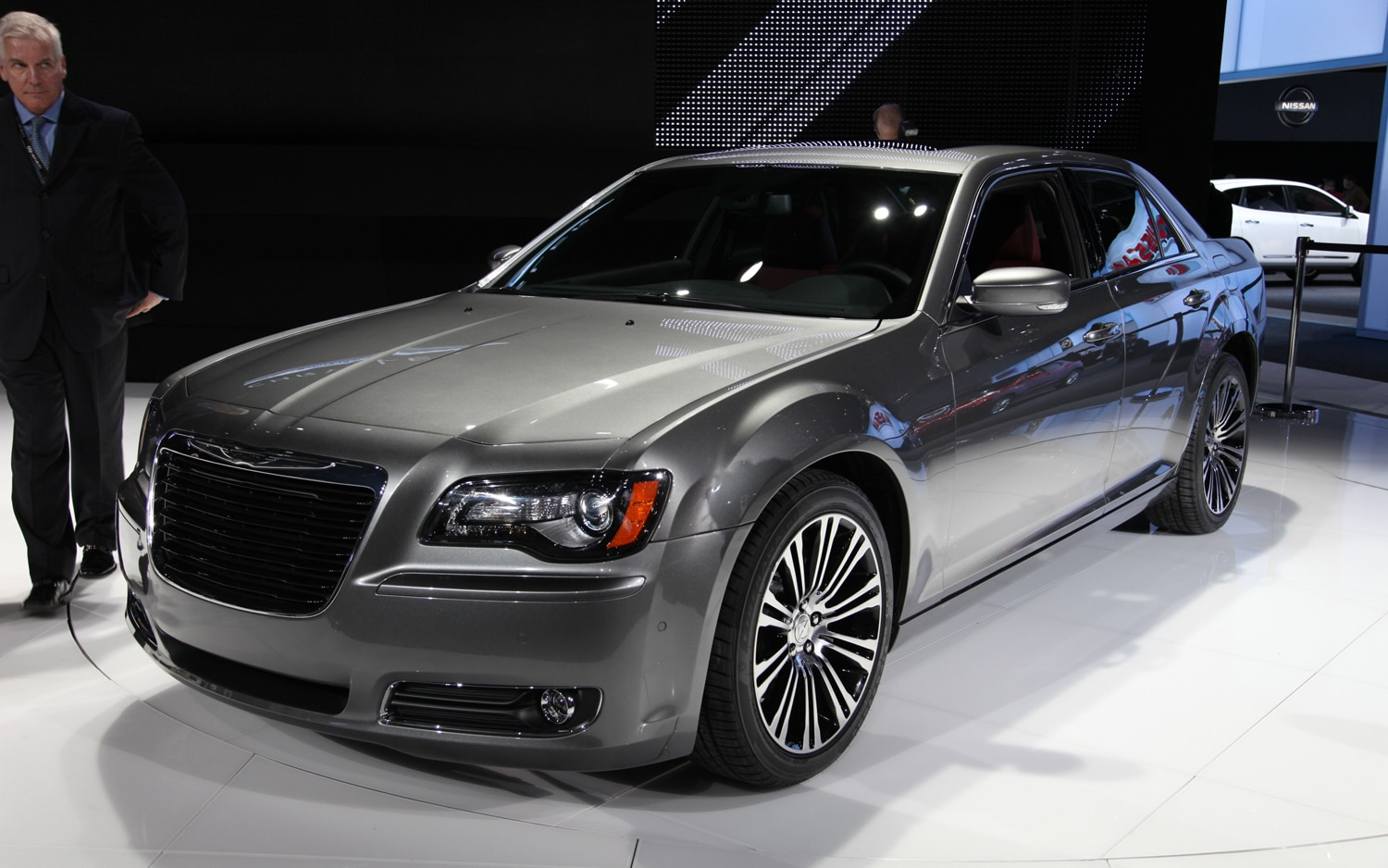 2012 Chrysler 300S Front Three Quarters1
