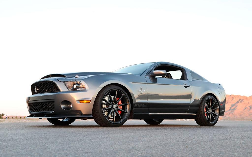 2012 Ford Shelby GT500 Super Snake Front Three Quarter1