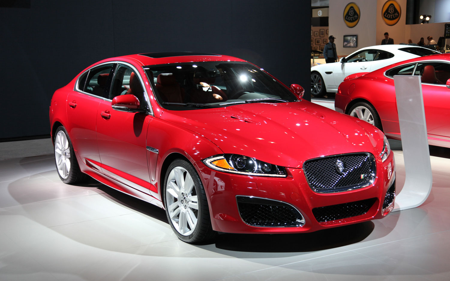 2012 Jaguar Xf Front Right Side View