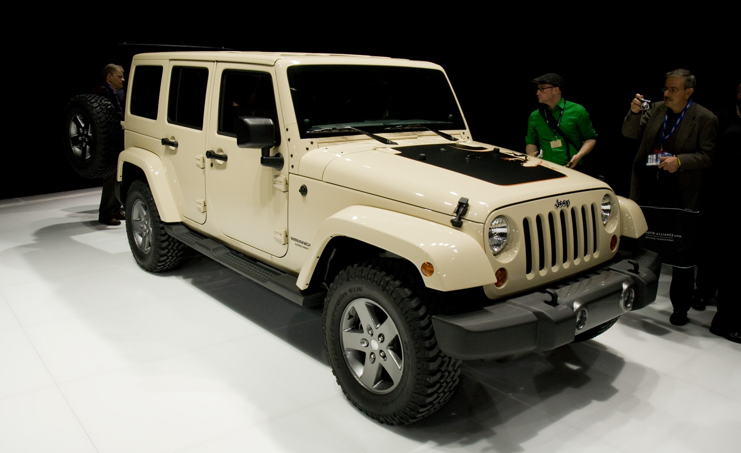 2012 Jeep Wrangler Unlimited Mojave Front View1