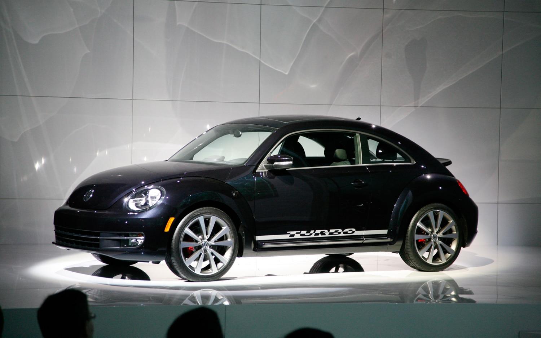 2012 volkswagen beetle first look automobile magazine. Black Bedroom Furniture Sets. Home Design Ideas