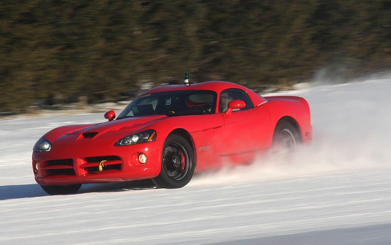 2013 Dodge Viper Development Mule Front View2