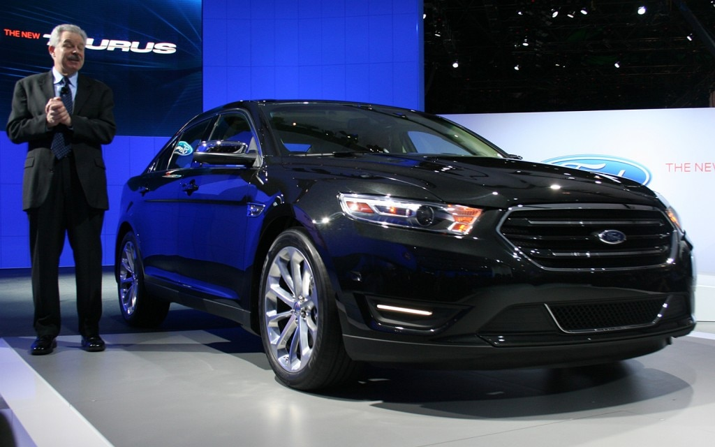 2013 Ford Taurus Front View2